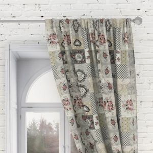 Bedroom curtain with pink roses – hearts